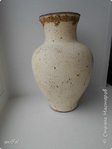 Из старой советской вазы с разбитым горлышком получилась Африка. Разбитое горлышко подкорректировала солёным тестом,отшлифовала наждачкой. По форме ваза, как кувшин и этно-стиль как раз в тему. фото 3