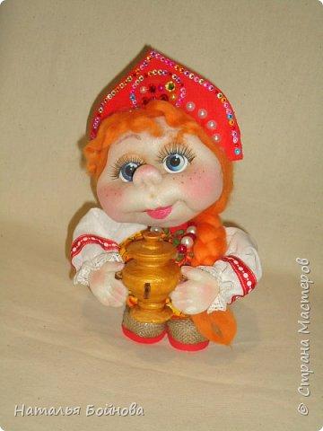 Кукла выполнена по мк  Е.Лаврентьевой.  Высота около 22 см. В руках - деревянный самовар фото 4