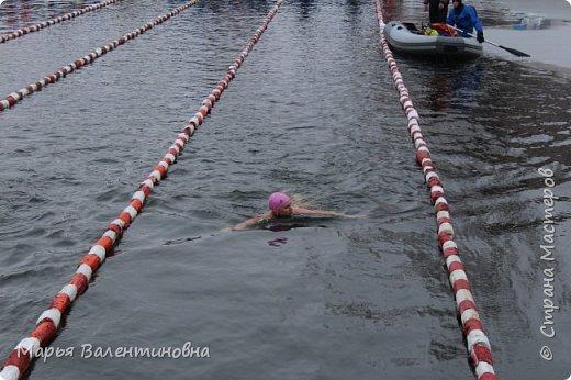 В этом году мы с мужем активно плаваем  с самого лета и.... по сию пору. Ну и тут втянули некоторые личности ( не буду называть их имена)  нас в авантюру-соревнования по зимнему плаванию. фото 5