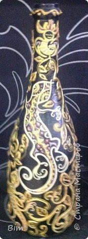 Все работы расписаны в ручную, с использованием акриловый красок, поверхность бутылки была изначально прогрунтована водоимульсионной краской с пва.  фото 17