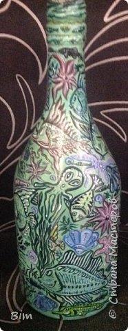 Все работы расписаны в ручную, с использованием акриловый красок, поверхность бутылки была изначально прогрунтована водоимульсионной краской с пва.  фото 11