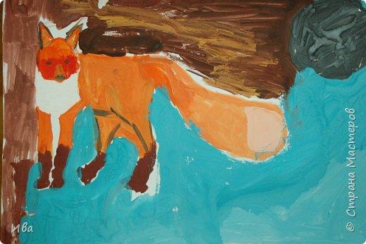 Рисовали образ лисы в разных сказках. Работали различными графическими материалами: мелки масляные, фломастеры. фото 8