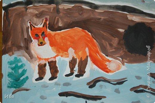 Рисовали образ лисы в разных сказках. Работали различными графическими материалами: мелки масляные, фломастеры. фото 11