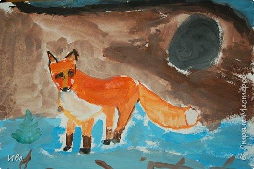 Рисовали образ лисы в разных сказках. Работали различными графическими материалами: мелки масляные, фломастеры. фото 12