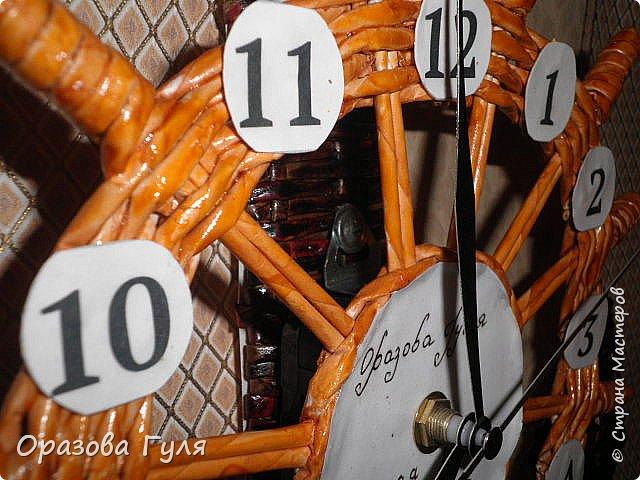 Часы с комнатным термометром и крючками для ключей. фото 12