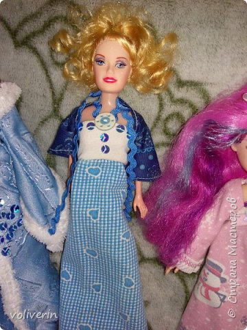 Здравствуйте, пополнение гардероба наших с дочей куколок к Новому году фото 13