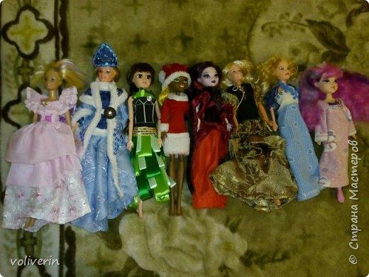 Здравствуйте, пополнение гардероба наших с дочей куколок к Новому году фото 1