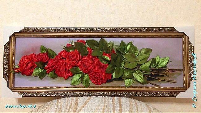 Всем добрый вечер! Сегодня хочу  показать Вам еще 2 своих картины лентами. Вот такие розы размером 23*70 без оформления в багет. Вышивала атласными ленточками и шелковыми фирмы Маджестик. Оригинальный подарок на любое торжество фото 1