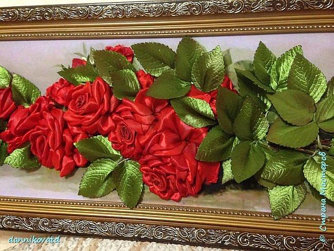 Всем добрый вечер! Сегодня хочу  показать Вам еще 2 своих картины лентами. Вот такие розы размером 23*70 без оформления в багет. Вышивала атласными ленточками и шелковыми фирмы Маджестик. Оригинальный подарок на любое торжество фото 2