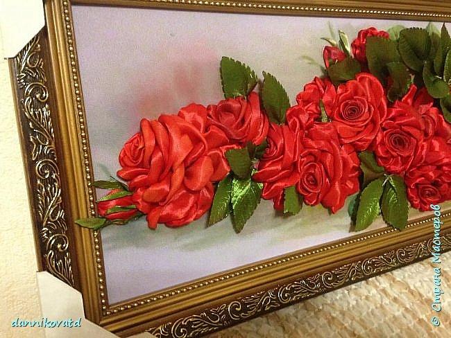 Всем добрый вечер! Сегодня хочу  показать Вам еще 2 своих картины лентами. Вот такие розы размером 23*70 без оформления в багет. Вышивала атласными ленточками и шелковыми фирмы Маджестик. Оригинальный подарок на любое торжество фото 3