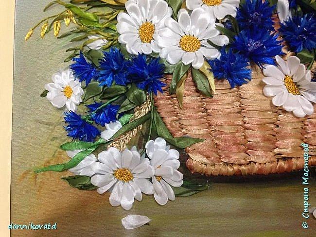 Всем добрый вечер! Сегодня хочу  показать Вам еще 2 своих картины лентами. Вот такие розы размером 23*70 без оформления в багет. Вышивала атласными ленточками и шелковыми фирмы Маджестик. Оригинальный подарок на любое торжество фото 7