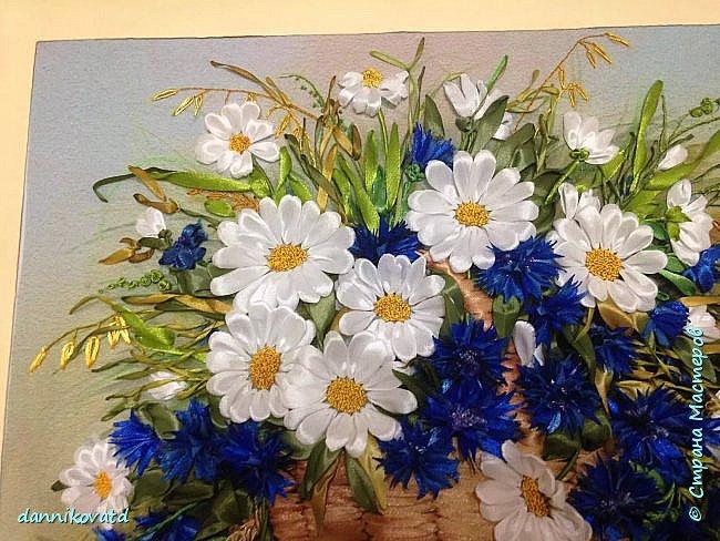 Всем добрый вечер! Сегодня хочу  показать Вам еще 2 своих картины лентами. Вот такие розы размером 23*70 без оформления в багет. Вышивала атласными ленточками и шелковыми фирмы Маджестик. Оригинальный подарок на любое торжество фото 8
