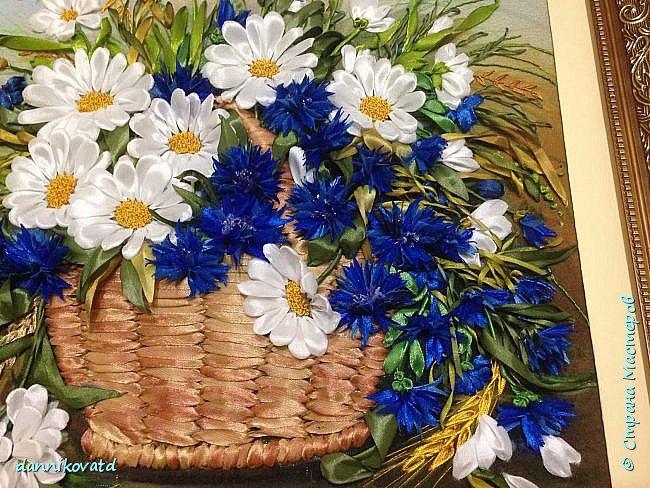 Всем добрый вечер! Сегодня хочу  показать Вам еще 2 своих картины лентами. Вот такие розы размером 23*70 без оформления в багет. Вышивала атласными ленточками и шелковыми фирмы Маджестик. Оригинальный подарок на любое торжество фото 9