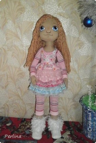 Авторская кукла, ручная работа . Пошита из габардина, набивка синтепон, волосы пряжа для вязания, лицо нарисовано акриловой краской, рост 52 см. Одежда и аксессуары съёмные. Дополнительная одежда. Кукла стоит, лежит. Изготовлена в одном экземпляре.    фото 3