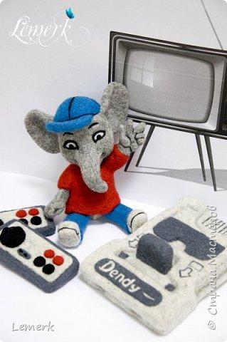 Денди. Валяные из шерсти слоник и консоль Нинтендо с джойстиками фото 3