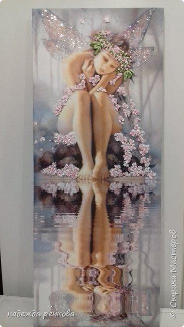 Добрый день мастера ,мастерицы и гости СМ! И снова ленты! Картина на холсте в галерейном стиле.Вышита стласными лентами, украшена бусами и стразами.В бощем в моем стиле. Размер 75*30. фото 1