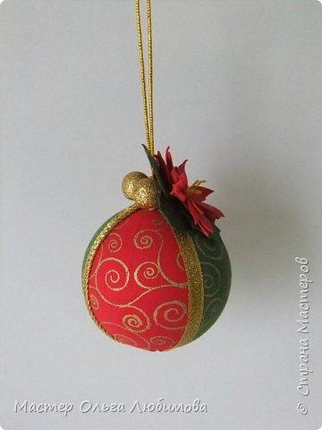 Все новогодние шарики выполнены в технике кимекоми. Работа кропотливая, требует аккуратности и терпения, но зато результат очень радует. А главное-такой полет фантазии в выборе ткани, в комбинациях и конечно же в декорировании. фото 5