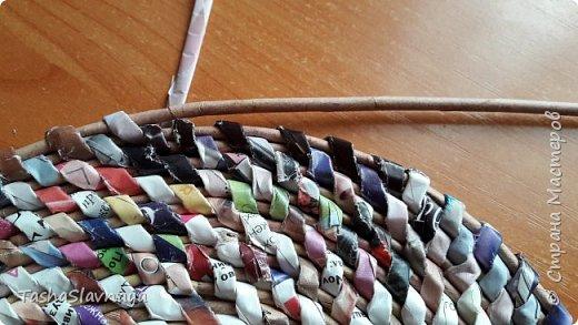 """Доброго времени, Страна Мастеров! Рецепт пропорций для имитации  техники плетения из корня. Материалы: Каталог """"Орифлейм"""", газетные трубочки. Инструменты: Бокорезы, спица2.0, клей карандаш. фото 8"""