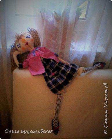Привет всем в СМ! Я сегодня с очередной своей куклой и не только...  У внучки Аллочки (А.Б.Я http://stranamasterov.ru/user/154138) скоро день рождения. По словам бабушки, внучка - девочка озорная. А таких озорных кукол я увидела у нашего замечательного Мастера Светланы Хачиной. По ее МК http://stranamasterov.ru/node/798703 и сшила эту куклеху. фото 8