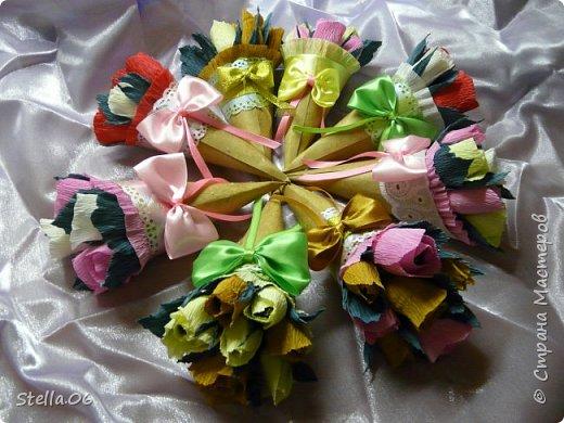 Такими сладкими букетиками сынуля угощал учителей в  День учителя фото 1