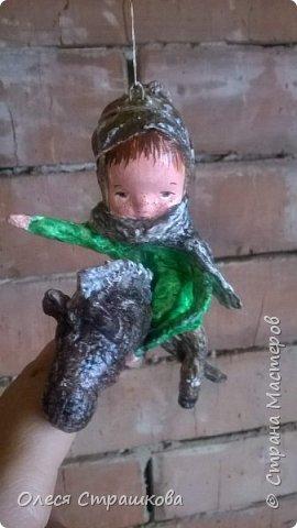 Елочная игрушка из ватного папье-маше. Коллекция малышей и малышек. Ванечка на коне. фото 3