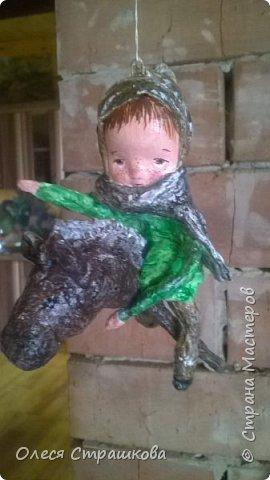 Елочная игрушка из ватного папье-маше. Коллекция малышей и малышек. Ванечка на коне. фото 6
