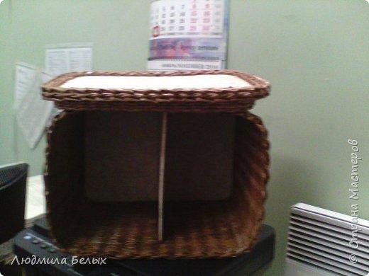 Корзинку плела на заказ, из газетной бумаги кромка, красила морилкой. фото 2