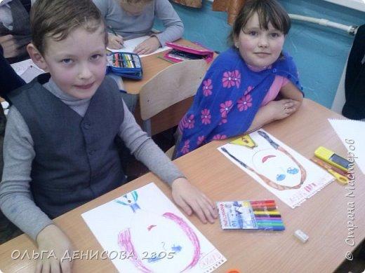 Каждый год в нашем детском объединении реализуется небольшой проект, посвященный Дню Матери. С большим удовольствием дети рисуют портреты своих мам и изготавливают  небольшие подарки. фото 3