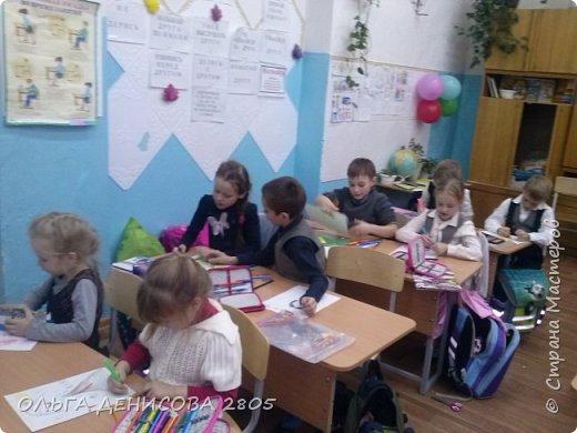 Каждый год в нашем детском объединении реализуется небольшой проект, посвященный Дню Матери. С большим удовольствием дети рисуют портреты своих мам и изготавливают  небольшие подарки. фото 4