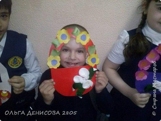 Каждый год в нашем детском объединении реализуется небольшой проект, посвященный Дню Матери. С большим удовольствием дети рисуют портреты своих мам и изготавливают  небольшие подарки. фото 6