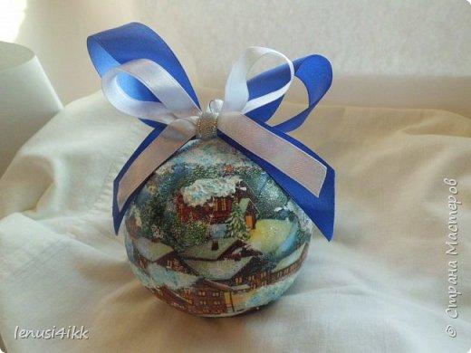 Обожаю Новый год .У меня были старые советские шарики,которые выглядели уже не очень,краска местами облупилась.Решила их обновить и вот что получилось. фото 4