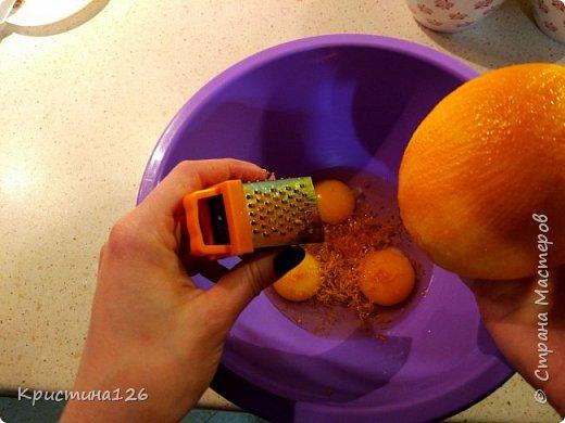 Этот кекс покорил сердца всей семьи! Он получается очень пропитанным, нежным, с ноткой цитруса. Рецепт очень простой, а результат изумительный! фото 4