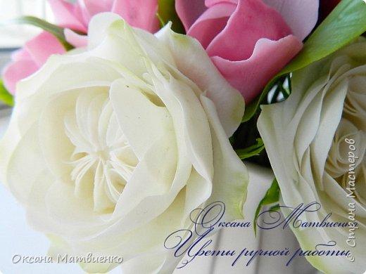 """.Цветочная композиция """"Утро парижанки"""".В композицию входят пионы цвета марсала,нежнейшая розовая магнолия и благородная староанглийская роза.Композиция довольно крупная,пышная. фото 3"""