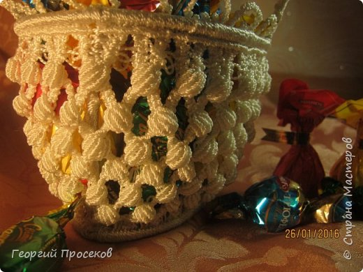 Предлагаю мой МК по плетению такой корзинки-конфетницы. Если судить по датам на фото, то МК сделал за 8 дней. Если без МК, то такую работу делаю за 2 дня. фото 2
