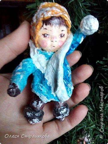 Андрейка и Марусенька. Елочных игрушки из ватного папье-маше  на каркасе. фото 3
