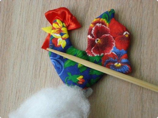 Новогодняя игрушка Петушок. Мастер класс в фотографиях. фото 9