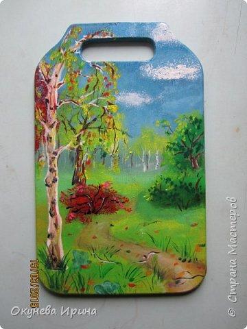 Эту досточку я делала 3 дня. Для облаков, листьев деревьев, травы и кустов я использовала губку. фото 1