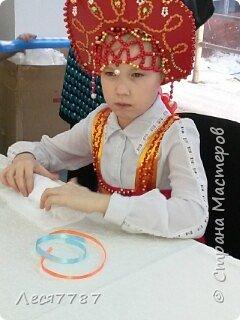 Русская красавица-кокошник из подручных материалов и сарафан из маминой юбки. фото 3
