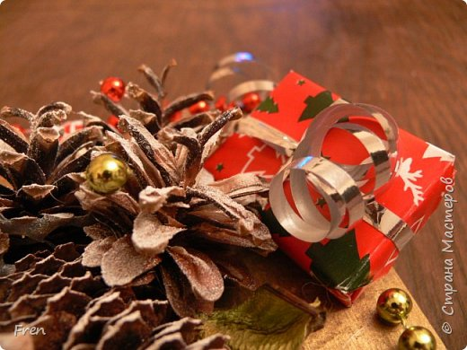 Всем прекрасного времени суток и хорошего настроения!!!!  В прошлом году я дарила в подарок своим близким по новогодней картине и даже делала МК:  http://stranamasterov.ru/node/982422 Но сделать себе такую так руки и не дошли. И вот в этом году я ее все таки сделала и решили вам всем показать. :)))  фото 4