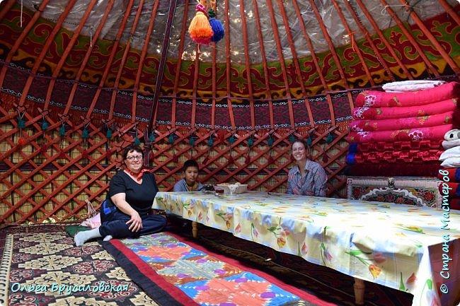 Здравствуй, мой солнечный гостеприимный Кыргызстан!!!  20 лет я не была на Родине... 24 июля 1996 года мы уехали на ПМЖ в Германию... 16 июля 2016 года со старшим сыном и его невестой - девушкой из Швейцарии с русским именем Тамара - мы прилетели в Бишкек!!! фото 24
