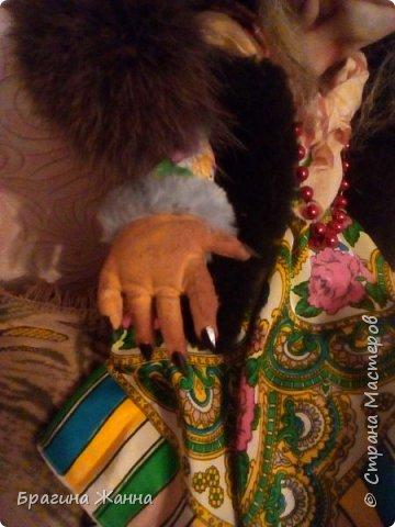 Всем жителям замечательной страны огромный привет!сегодня я к вам Ягусей-бабусей)))вот такая добрая милая очаровательная получилась у меня ягуся))))))))))))))))))в рост она почти 70см)))большая)))техника шитья смешанная)))))))))))и так приглашаю вас к просмотру! фото 7