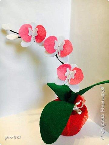 Такой цветок из фетра у меня получился . Очень мне захотелось поработать с этим материалом. фото 4