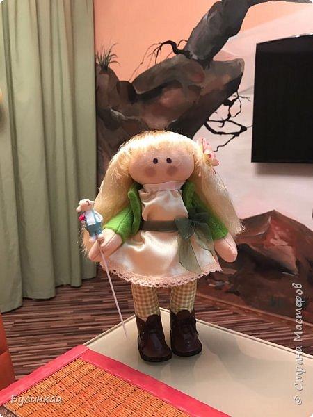 Сразу признаюсь, работа не моя. Дочка постаралась, очень любит Снежек.