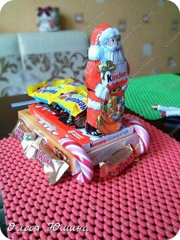 Здравствуйте! Сегодня я хочу рассказать вам, как я делала сладкие саночки детишкам на Новый год. фото 1