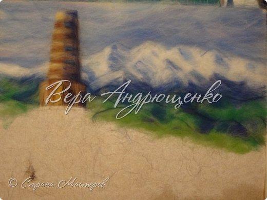 Башня Бурана - памятник архитектуры. Находится в Кыргызстане близ г.Токмак, у подножья гор. Весной там такая красотища!  фото 3