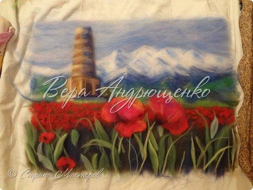 Башня Бурана - памятник архитектуры. Находится в Кыргызстане близ г.Токмак, у подножья гор. Весной там такая красотища!  фото 2