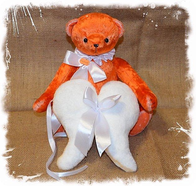 Всем Привет!!!А у меня  Новый Малыш! Мишка Ангел по имени Апельсин!!!!)))  Так не Хватает Сейчас Ярких и Солнечных Красок! Мишка Апельсин исправит это! Подарит Вам Солнечное Настроение и Счастье, Ведь он не Просто Мишка! он Мишка ангел! Когда наступает Ночь Апельсин надевает Свои Плюшевые Крылья и Дарит Всем Счастье! Малыш Сшит из Советского Плюша, 5 шплинтов, глазки стекло, слегка утяжелён металлическим гранулятом, рост 33 см.  фото 8