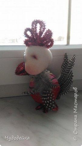 Вот такой петушок у нас получился с дочкой по мк Елены Лаврентьевой. Петушок сделан на конкурс елочных игрушек. Кисточку к гребешки привязали после фотографирования. фото 3