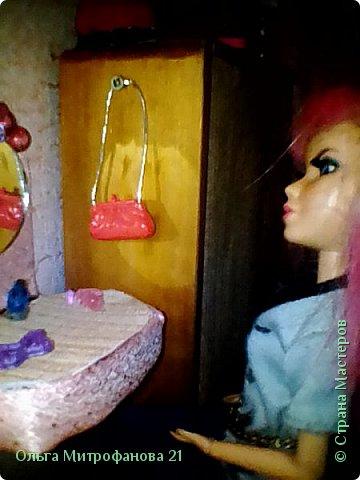 Софи за туалетным столиком фото 1
