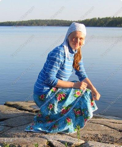 В последнее время иногда, примерно раз, в год шью юбки. Решила собрать их все в одном месте. Все простого покроя на резинке - прямые с воланом или полностью из воланов. Ткань х/б, юбки все летние. Первую юбку шила в 6 классе, долго её не носила, потом всё-таки стала. Как ни странно, она до сих пор мне как раз. фото 3